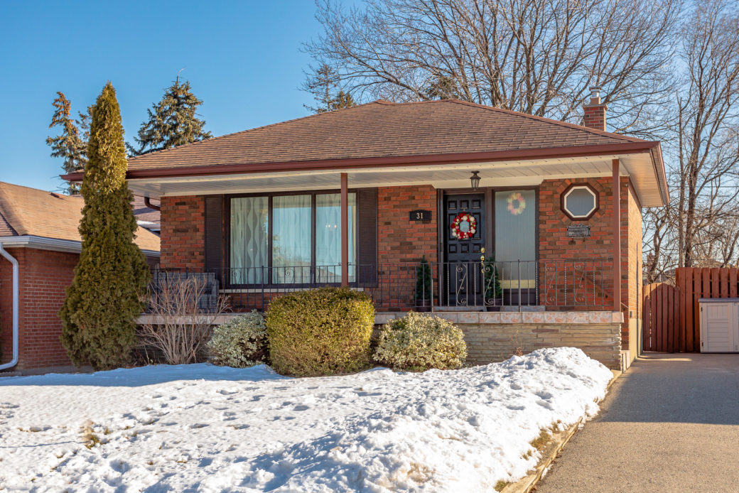 31 Faversham Cres-MLS-1