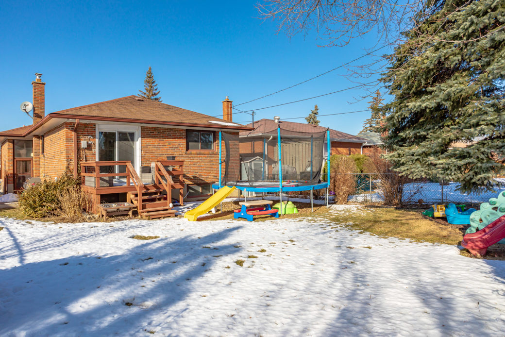 31 Faversham Cres-MLS-23